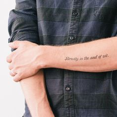 Literary temporary tattoos: Brevity is the soul of wit // Hamlet