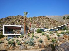 This Opulent Palm Springs Home Offers a True Sensory Overload - Mid Century Home Palm Springs, Spring Architecture, Landscape Architecture, Desert Oasis, Desert Road, Location Saisonnière, Desert Homes, California Homes, Southern California