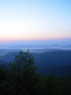"""West """"By God"""" Virginia. My first memories were seeing """"horse backs"""" in the WV mountains. Virginia Hill, Virginia Homes, Beautiful Sites, Beautiful Places, Places Around The World, Around The Worlds, West Va, Down South, Vacation Spots"""