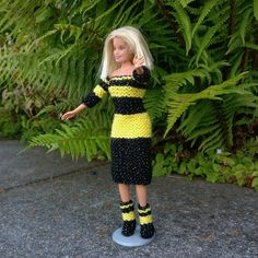 Fibonacci Barbie Knitting Crochet pattern by Woolly Thoughts Baby Cardigan Knitting Pattern Free, Baby Booties Free Pattern, Crochet Fall, Knit Crochet, Christmas Knitting Patterns, Crochet Patterns, Barbie Patterns, Dress Gloves, How To Make Clothes