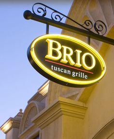 The best Italian cuisine, served in our Italian restaurant at Brio Tuscan Grille Frontenac! Check out our menu and make your reservations today! Tysons Corner Mall, Brio Tuscan Grille, Top 10 Restaurants, Italian Restaurants, Italian Menu, Whole Roasted Chicken, Logo Restaurant, West Lake, Winter Park