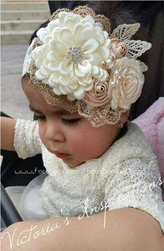 Brazilian Crochet And Handicraft Baby Girl Headbands, Baby Bows, Baby Girl Hair Bows, Felt Headband, Ribbon Hair Bows, Ribbon Work, Light Pink Flowers, Baby Girl Hairstyles, Foto Baby