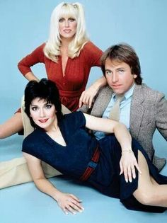 Actor John Ritter was born today in 1948 - here he is with the first year's cast of Three's Company 80 Tv Shows, 1970s Tv Shows, Movies And Tv Shows, John Ritter, Suzanne Somers, Three's Company, Comedy Tv, Vintage Tv, Old Tv