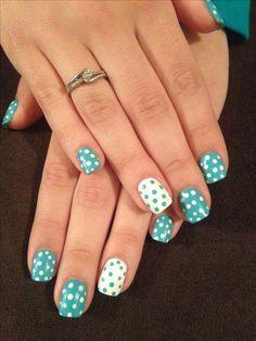 Lovin the polka dot nails #aquablue