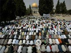 Nearly 1 lakh Muslims pray at Al-Aqsa for Ramzan
