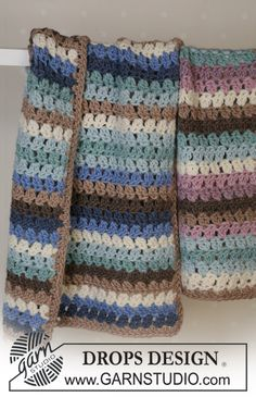 Crochet blanket in 2 different colors with Eskimo ~ DROPS Design