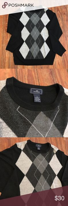 Men's Dockers Sweater size Large Thank you for looking at my listing!! This listing is for a Men's Dockers Sweater size Large, this sweater is in perfect condition!! If you have any questions about this item feel free to leave me a comment!! 💗💗 Dockers Sweaters Crewneck