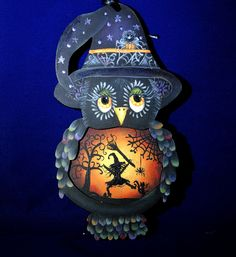 Halloween Wood Crafts, Homemade Halloween Decorations, Halloween Owl, Halloween Magic, Halloween Painting, Halloween Haunted Houses, Halloween Items, Snowman Christmas Ornaments, Halloween Ornaments