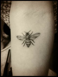 vintage bee tattoo - Google Search | tattoos | Pinterest ...