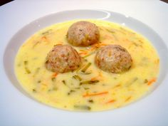 Húsvéti sonkagombócleves Hungarian Recipes, Soups And Stews, Cheeseburger Chowder, Soup Recipes, Healthy Living, Good Food, Food And Drink, Health Fitness, Cooking