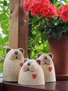 Keramická dílna Hliněnka - Hobbies paining body for kids and adult Pottery Animals, Ceramic Animals, Clay Animals, Slab Pottery, Ceramic Pottery, Ceramic Art, Clay Cats, Cement Art, Ceramic Workshop