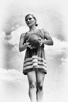 Atletka s míčem