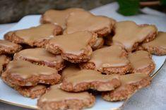 Biscuits Suisses aux noix – Baumnuss-Guetzli