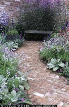 minervacompany.uk/ – want to escape to the West Country? Let us find your perfect seaside or country home for you! Want some ideas for your seaside cottage in Devon or Cornwall? Follow our Houses, gardens and interiors board on Pinterest! More