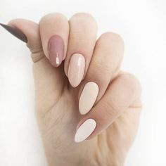 Almond shaped acrylic nails are a popular look and are often preferred by modern women. Unlike dangerous and sharp stiletto nails Cute Nails, My Nails, Bright Summer Nails, Almond Acrylic Nails, Gorgeous Nails, Winter Nails, Manicure And Pedicure, Manicure Ideas, Nail Arts
