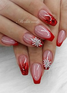 30 Fabulous Ways to Wear Glitter Nails, Looks a Cute Women The glitter nail art designs have become Xmas Nails, Holiday Nails, Red Nails, Christmas Nails, Acrylic Nail Designs, Acrylic Nails, Cute Nails, Pretty Nails, Nagellack Design