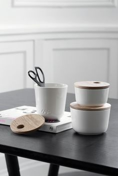 This stylish storage jar is inspired by the popular Kähler Unit furniture series. The storage jar is an elegant and functional storage solution for all of the small things that need storing away. Available in different sizes and colours. Neat And Tidy, Decorative Storage, Jar Storage, Simple Style, Storage Solutions, Miniatures, Place Card Holders, The Unit, Ceramics