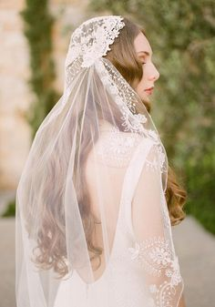 Claire Pettibone bohemian embroidered Boho bridal veil shown with our lace Toscana wedding dress. Western Wedding Dresses, Bohemian Wedding Dresses, Bridal Dresses, Wedding Gowns, Wedding Hair, Wedding Blog, Bridal Veils, Claire Pettibone, Making A Wedding Dress