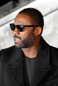 Idris Elba at the UK Premiere of Thor The Dark World Oct 22 2013 and looking perfect. Idris Elba Thor, Black Is Beautiful, Gorgeous Men, Idriss Elba, Michael Ealy, Handsome Black Men, The Dark World, Raining Men, Portraits