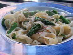 Gluten-free tagliatelle with lemon & asparagus, vegan too!