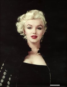 The lovely, underestimated Miss Marilyn Monroe-formerly Norma Jean Baker. I've only recently been so fond of her and her beauty. Marilyn Monroe Stil, Estilo Marilyn Monroe, Fotos Marilyn Monroe, Sophia Loren, Hollywood Glamour, Old Hollywood, 1950 Pinup, Most Beautiful Women, Beautiful People