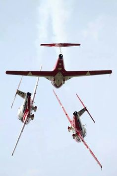 Snowbirds The Art Of Flight, Aerial Acrobatics, Private Plane, Military Jets, Air Show, Helicopters, Airplanes, Air Force, Fighter Jets
