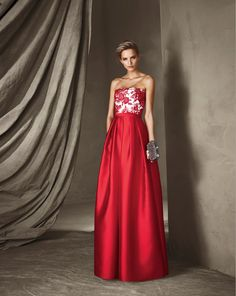 44 Astonishing And Vibrant Cocktail Dress Collection launched by Pronovias Dresses Uk, Prom Dresses, Formal Dresses, Elegant Woman, Red Gowns, Red Fashion, The Dress, Dress Collection, Strapless Dress Formal