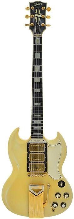 1962 Gibson Les Paul Custom (this didn't beome an SG until 1963) ---https://www.pinterest.com/lardyfatboy/ #gibsonlespaul