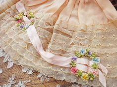 ロココリボン・レースボネ - イギリスとフランスのアンティーク   薔薇と天使のアンティーク   Eglantyne(エグランティーヌ)