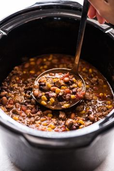 Slow Cooker Tacos, Slow Cooker Chili, Healthy Slow Cooker, Slow Cooker Recipes, Taco Soup Ingredients, Fire Roasted Tomatoes, Bean Recipes, Chili Recipes, Soup Recipes