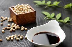 Впервинку был придуман монахами в Древнем Китае, отказавшимися от мучного и соленого. Вскоре дошел до японской кухни и множество людей на сегодня считают его «королевой» блюд. Так же очень часто в японских ресторанах вместе с сушами и ролами подают соевый […]