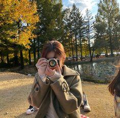 """ʕ •ᴥ•ʔ 💭 on Twitter: """"🦊 new profile… """" Korean Aesthetic, Aesthetic Girl, Kim Doyeon, Ulzzang Girl, Photo Poses, K Idols, Korean Girl Groups, Kpop Girls, Cool Girl"""