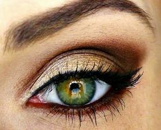 Gold smokey eye #makeup