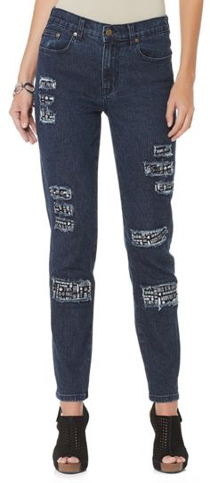 What better way to break the boring denim trend than with these @dianegilman patched skinny jeans?! These jeans are so fun to wear and embrace the Woodstock style! Where would you wear this denim?