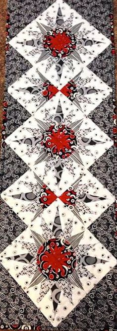 Cactus Flower Table Runner, Quiltworx.com, Made by Susan Goetchius, Taught by CI/CS Jackie Kunkel/Canton Village Quilt Works