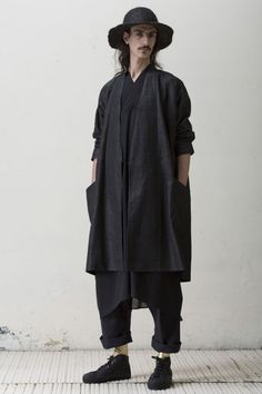 Jan-Jan Van Essche collection on Deux Hommes Mode Lookbook, Fashion Lookbook, Unisex Fashion, Mens Fashion, Looks Black, Androgynous Fashion, Inspiration Mode, Gypsy Style, Mode Style