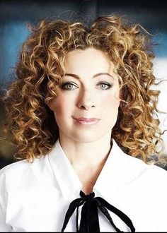 This amazing woman has trouble finding jobs here be. Alex Kingston-He Alex Kingston, English Actresses, Actors & Actresses, Hot Actors, Whoville Hair, Doctor Who Cast, Bollywood, Celebs, Celebrities