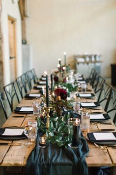 Modern, all-black tablescape at Barr Mansion & Artisan Ballroom in Austin, TX. Brought to life by Photographer - The Edges Wedding Photography, Planner – Street Events and Florist – Posey Floral and Event Design. Black Tablecloth Wedding, Wedding Table, Floral Wedding, Wedding Colors, Boho Wedding, Wedding Flowers, Wedding Centerpieces, Wedding Decorations, Table Decorations
