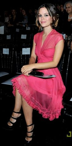 Rachel Bilson- Love the colour and prettiness of this dress. Simple but very flattering.