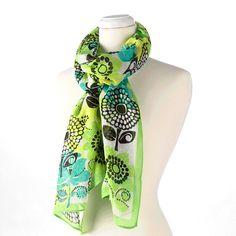 such cute ways to tie a scarf! my fav is the rose. Scarf Knots, Tie The Knots, Ways To Tie Scarves, Shawl Cardigan, New Wardrobe, Scarf Styles, Spring Summer Fashion, Vera Bradley, Style Me