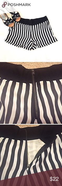"❣BOGO 1/2 off❣🆕 blu pepper striped sexy shorts NWOT- flawless. Brand is Blu Pepper from Urban Outfitters. 100% poly, fully lined. 2 front pockets. Back zip closure. Small. Approx 2.5"" inseam, 12"" rise, 29"" waist. 🔴Bundle to save! 🔴NO TRADES, no modeling. 🔴REASONABLE offers welcome via offer button. Smoke-free home. Fast shipping! Urban Outfitters Shorts"