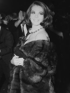 Natalie Wood    Natalie at the 38th Academy Awards