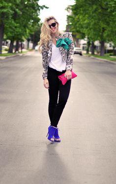 Print jacket, blue heels, pink bag