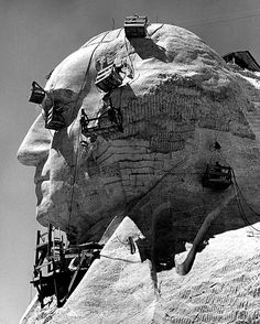 Alfred Eisenstaedt, Construction of the George Washington section of Mount Rushmore Monument, South Dakota, USA, Vintage Pictures, Old Pictures, Old Photos, Us History, American History, History Photos, Asian History, History Class, Strange History