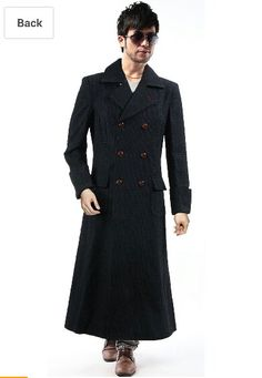 Who the hell photoshopped this? His legs are too short! Sherlock Outfit, Sherlock Coat, Sherlock Holmes, Cosplay Costumes For Men, Costumes For Women, Wool Cape, Cape Coat, Men's Coats And Jackets, Sweater Hoodie