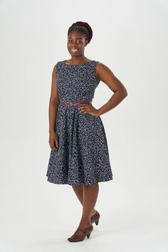 Betty Dress Sewing Pattern - Sew Over It Dress Sewing Patterns, Clothing Patterns, Betty Draper, Sew Over It, Full Circle Skirts, Modest Outfits, Fitted Bodice, Making Ideas, Dress Making