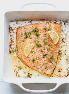 Easy one pan garlic dill lemon baked salmon recipe low-carb, keto. Dill Salmon, Salmon With Avocado Salsa, Salmon Pasta, Salmon And Asparagus, Salmon Meals, Keto Salmon, Salmon Recipe Olive Oil, Coho Salmon Recipe, Baked Salmon Recipes
