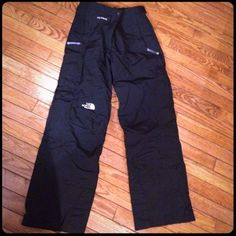 North Face Hyvent Ski Pants Great condition! A little too big for me so that's why I'm selling them. Women's Small. Black. Comment with any questions! North Face Pants Track Pants & Joggers