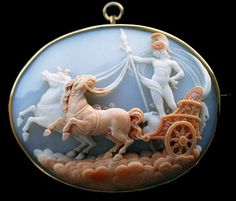 Pommeraie Antiques - s264 - antique victorian vintage cameos, cameo brooch
