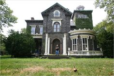 abandoned mansions for sale |  The old Steinway Mansion in Astoria area of Queens in New York City